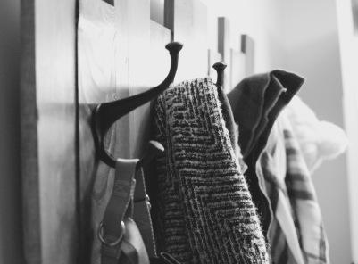 wood-hook-holder-2