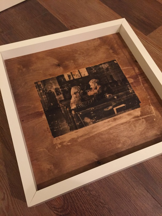 wood-transfer-in-frame-close